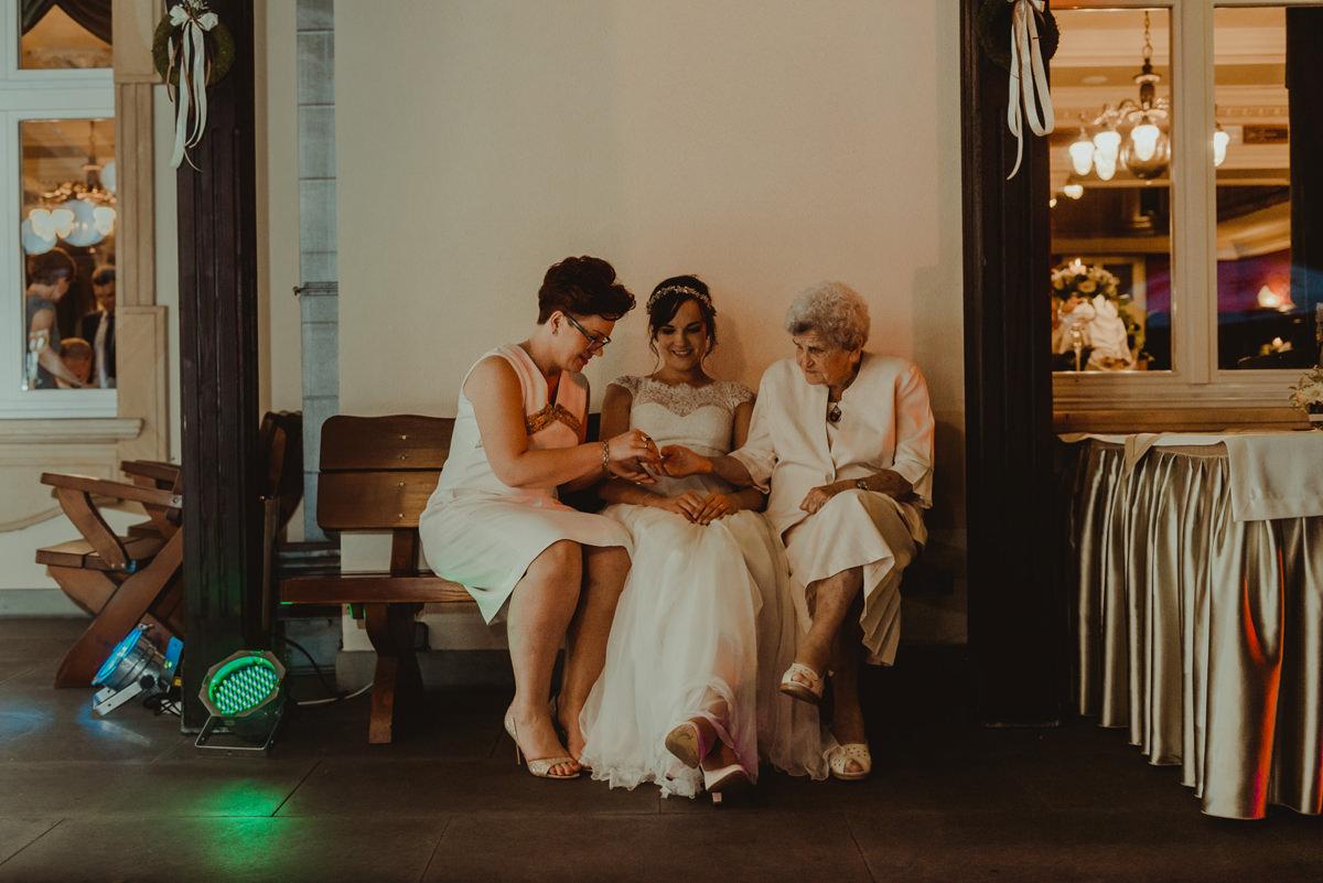 babcia na weselu