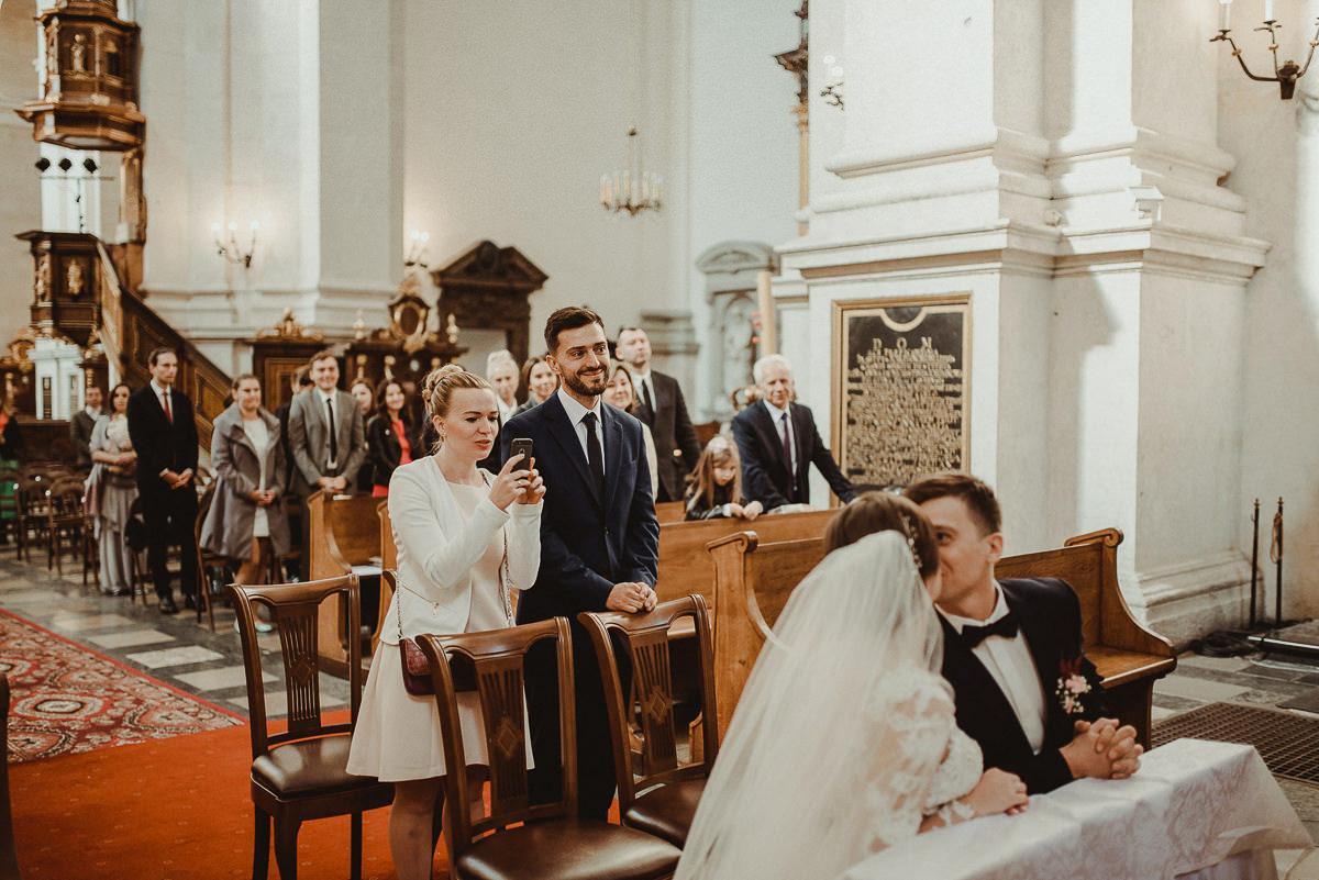 ślub w kościele św Piotra i Pawła w Krakowie