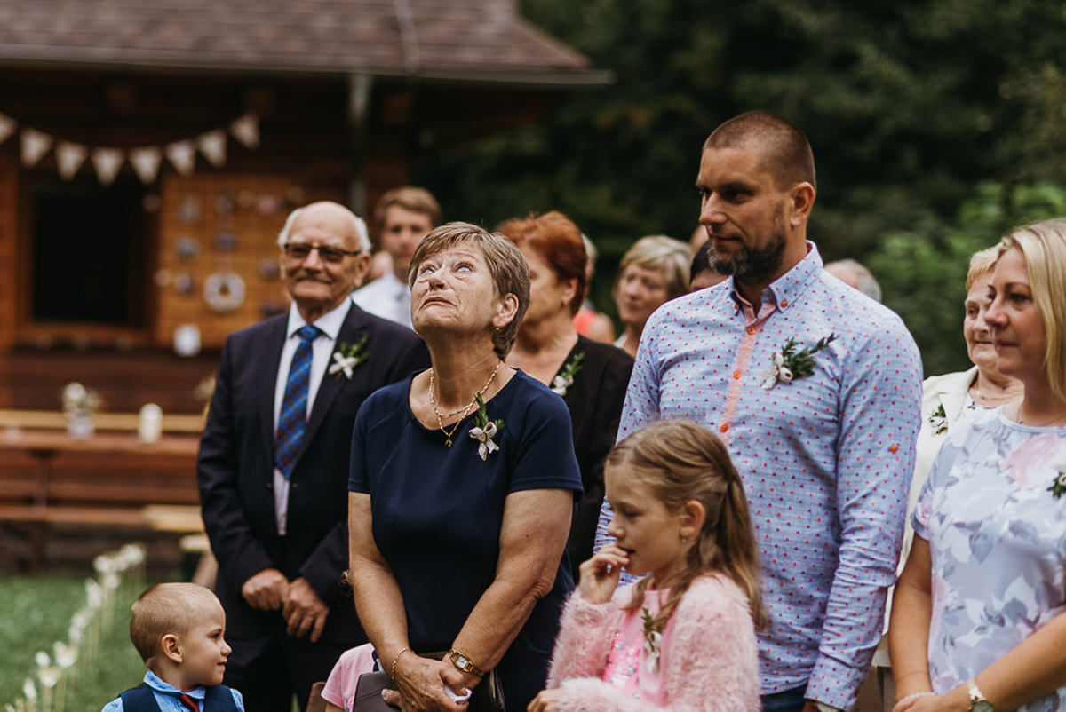 łzy na ślubie